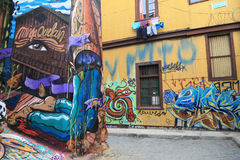 Pared con la pintada en Valparaiso, Chile Imagen de archivo