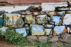 Pared con la pintada en Valparaiso, Chile Imagenes de archivo