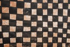 Pared con la pintura tribal africana imagenes de archivo