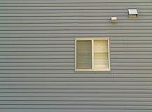 Pared con la ventana Fotos de archivo libres de regalías