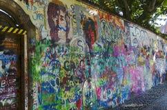 Pared de Juan Lennon, Praga Foto de archivo