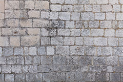 Pared de la casa hecha de piedra natural Imágenes de archivo libres de regalías
