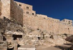 Pared de la ciudad vieja de Jerusalén cerca de la puerta del estiércol Fotos de archivo libres de regalías