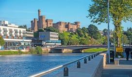 Pared de la defensa de la inundación en Inverness Imágenes de archivo libres de regalías