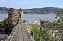 Pared de la fortaleza en Conwy imágenes de archivo libres de regalías