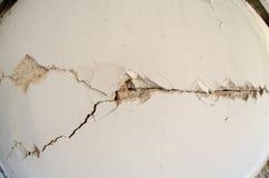 Pared de la grieta del terremoto Imágenes de archivo libres de regalías