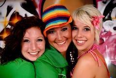 Pared de la pintada de la diversión de los amigos Imagen de archivo libre de regalías