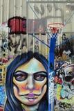 Pared de la pintada del aro de baloncesto Imagen de archivo