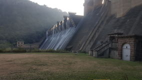 Pared de la presa de Shongweni Imagenes de archivo