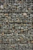 Pared de la roca con el alambre Fotos de archivo libres de regalías