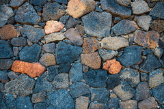 Pared de la roca volcánica del basalto Imágenes de archivo libres de regalías