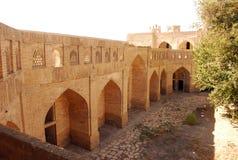 Pared de ladrillo antigua con los arcos Imagen de archivo libre de regalías