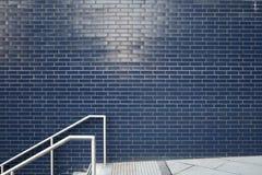 Pared de ladrillo azul Imagenes de archivo