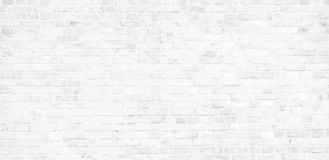 Pared de ladrillo blanca simple con el fondo inconsútil de la textura de la superficie del modelo de las sombras grises claras en imagen de archivo libre de regalías