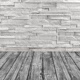 Pared de ladrillo blanca y piso de madera gris Bandera del Web Fotos de archivo