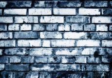 Pared de ladrillo en tonos azules fotos de archivo