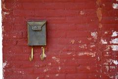 Pared de ladrillo roja Imágenes de archivo libres de regalías