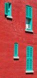 Pared de ladrillo roja típica en Montreal, Canadá Imagenes de archivo
