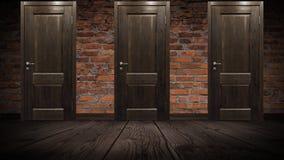 Pared de ladrillo vieja y puerta de madera, roble imagen de archivo libre de regalías