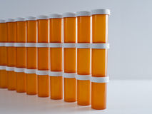 Pared de las botellas de la medicina Imagenes de archivo