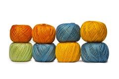 Pared de las cuerdas de rosca coloridas Imagen de archivo