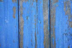 Pared de madera agrietada de la vieja peladura inconsútil Fotos de archivo libres de regalías