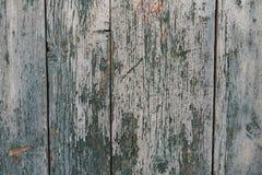 Pared de madera azul vieja y envejecida como fondo o papel pintado imágenes de archivo libres de regalías