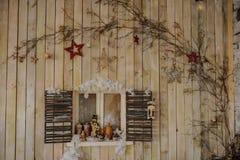 Pared de madera con la ventana Fotografía de archivo libre de regalías