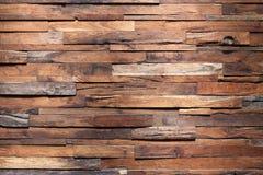 Pared de madera de la madera Foto de archivo libre de regalías