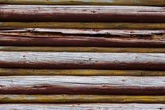 Pared de madera de los registros Imagenes de archivo