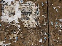 Pared de madera para poner encima de los carteles Fotografía de archivo
