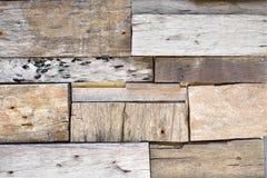 Pared de madera reclamada del tablón foto de archivo