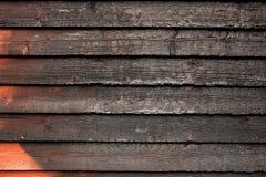 Pared de madera rota quemada Foto de archivo