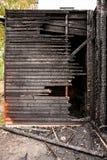 Pared de madera rota quemada Imagenes de archivo