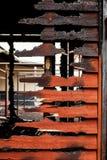 Pared de madera rota quemada Fotos de archivo