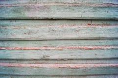Pared de madera verde vieja del tablón foto de archivo libre de regalías