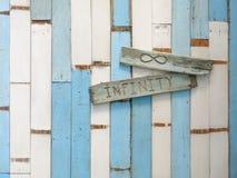 Pared de madera vieja azul y blanca Foto de archivo