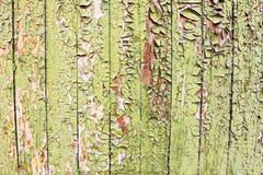 Pared de madera vieja con la pintura agrietada Fotografía de archivo