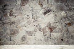 Pared de piedra al aire libre gris áspera, foto del fondo Fotografía de archivo