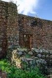 Pared de piedra de la primera iglesia al sur del ecuador en África, Angola, banza Congo del ` de M Fotografía de archivo libre de regalías