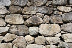 Pared de piedra de la roca Fotografía de archivo libre de regalías