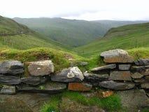 Pared de piedra en la montaña de Snowdon Imágenes de archivo libres de regalías