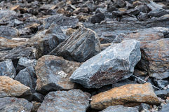 Pared de piedra en la presa de Srinakarin Fotos de archivo libres de regalías