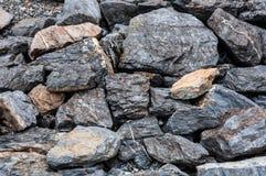 Pared de piedra en la presa de Srinakarin Foto de archivo libre de regalías