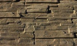Pared de piedra, pared doblada del fondo de piedra de las losas Fotografía de archivo