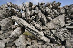 Pared de piedra seca de la piedra caliza Imagenes de archivo