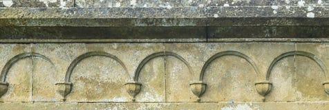 Pared de piedra vieja con los arcos Imagen de archivo libre de regalías