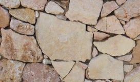 Pared de piedras marrones imágenes de archivo libres de regalías