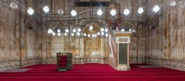 Pared del alabastro con el lugar grabado y plataforma en la mezquita de Muhammad Ali Alabaster Mosque, ciudadela de El Cairo en E fotografía de archivo libre de regalías