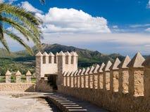 Pared del castillo con paisaje Fotografía de archivo libre de regalías